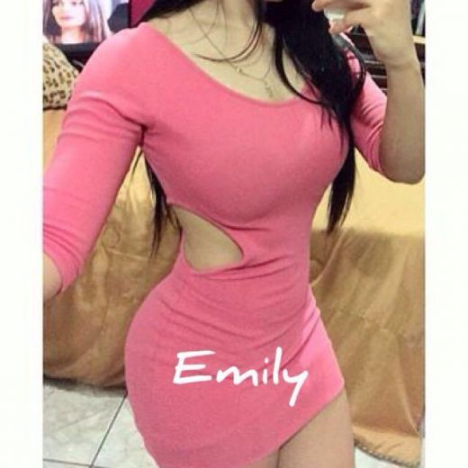 Emily chupa penes Disponible hoy